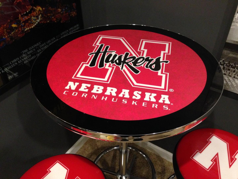nebraska-cornhusker-pub-table-pic-2-large
